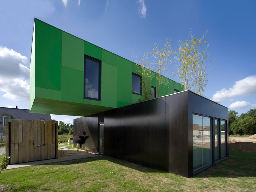 Eco friendly crossbox house