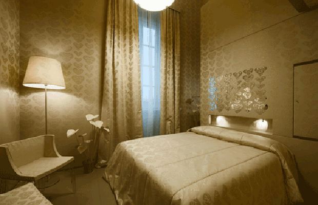 The colors of Hotel Maison Moschino in Milan