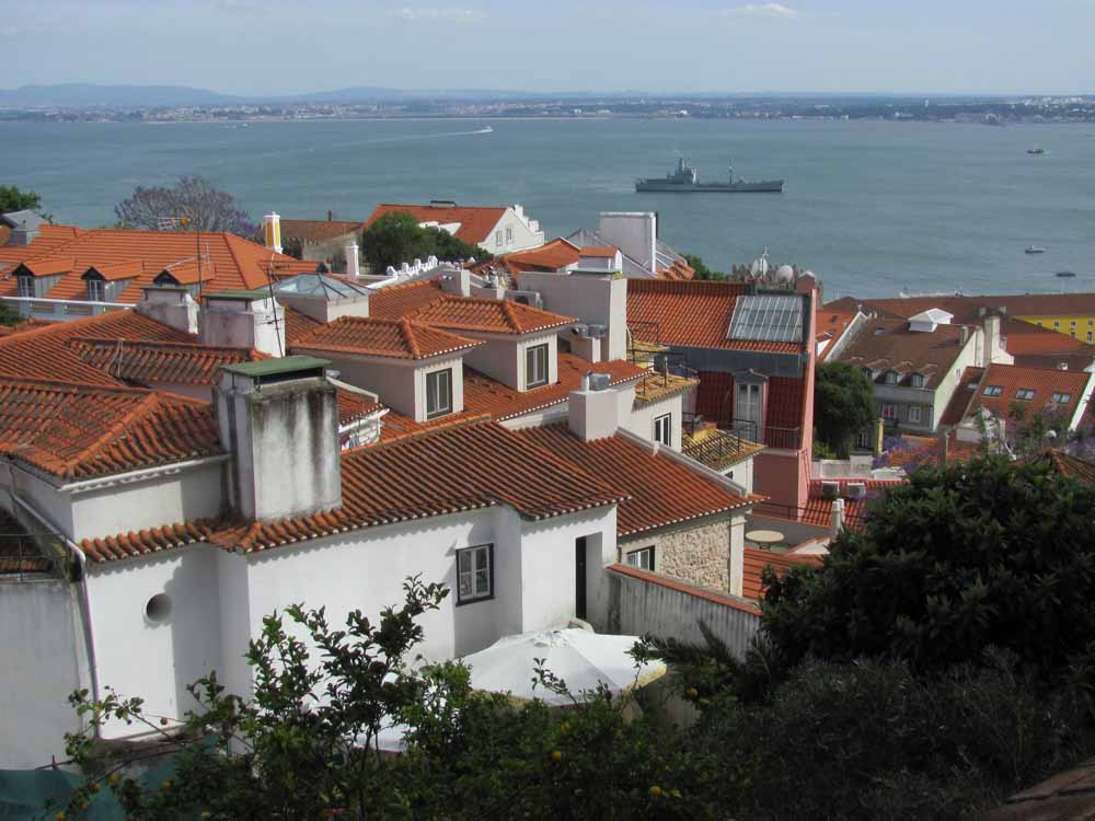 Lisbon walkaround by brushvox 073