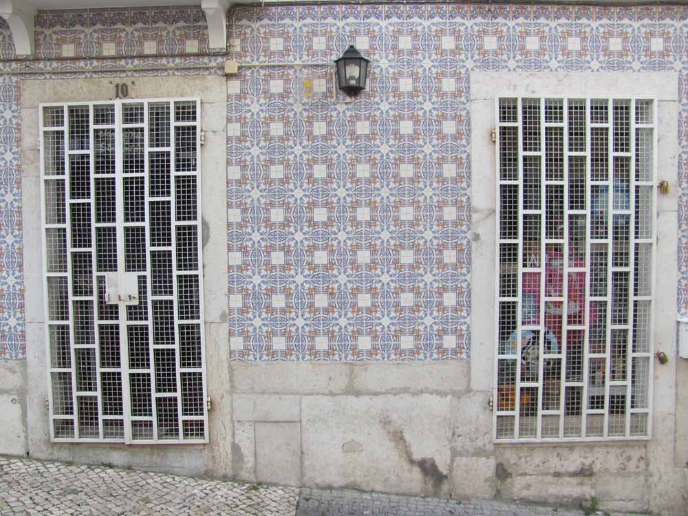 Lisbon walkaround by brushvox 081