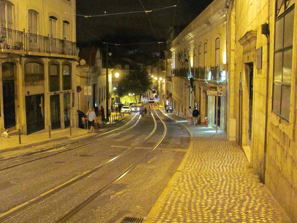 Lisbon walkaround by brushvox 092