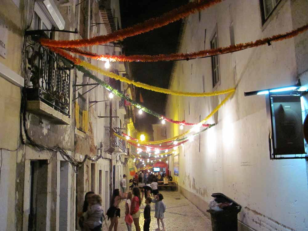Lisbon walkaround by brushvox 097