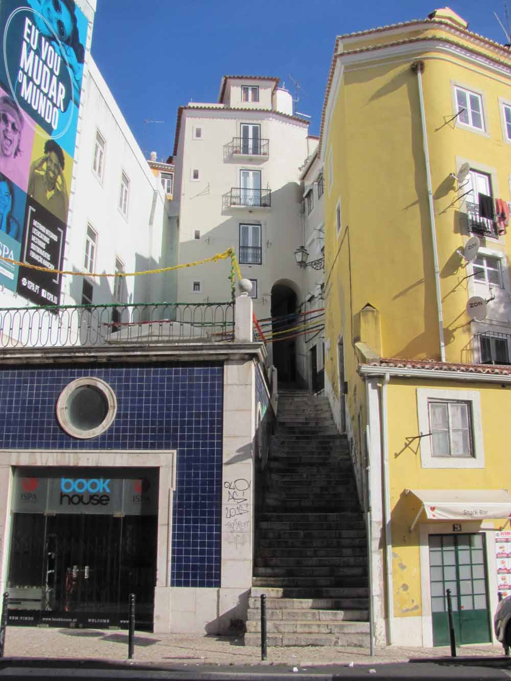 Lisbon walkaround by brushvox 104