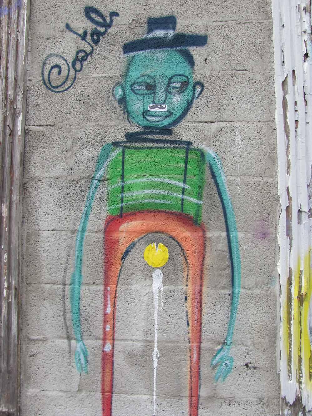 Street art from Porto11